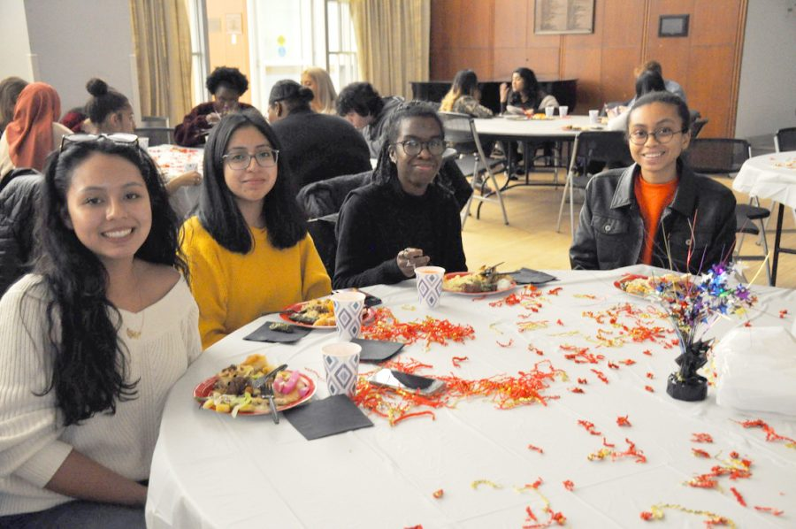 The Middle Eastern Student Association held an event at which students could try various middle eastern foods.