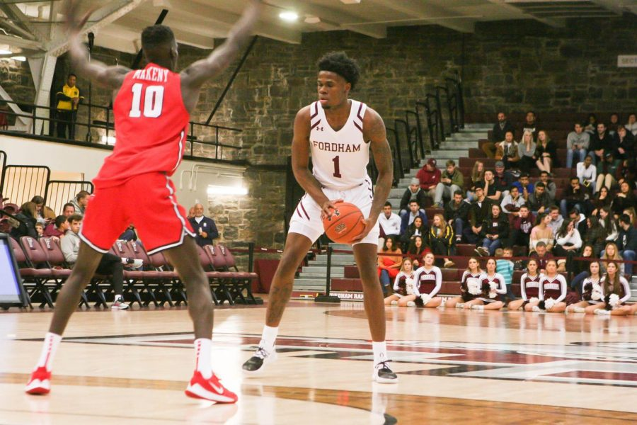 Men's Basketball Improves to 3-0 After Locking Down Marist