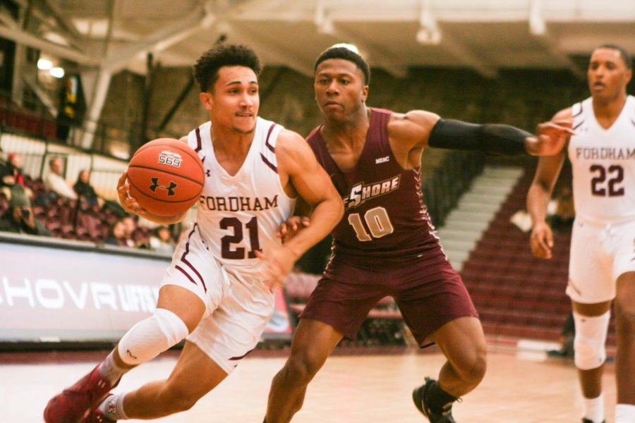 Men's Basketball Makes Easy Work of Maryland-Eastern Shore