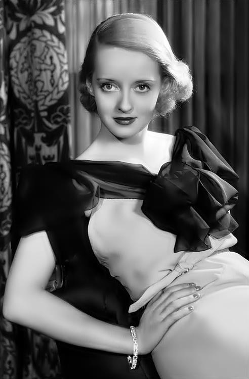Bette Davis, a prominent 60s actress, stars in