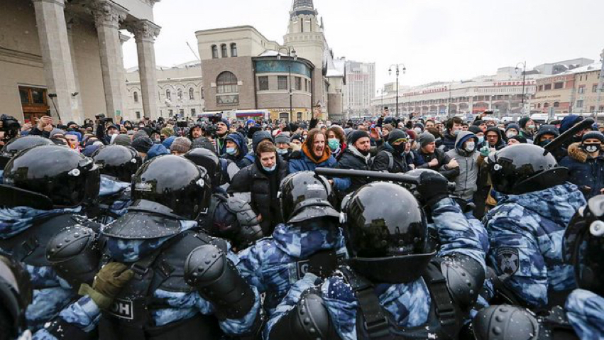 Protests break out in Russia following the arrest of Alexei Navalny. (Courtesy of Twitter)