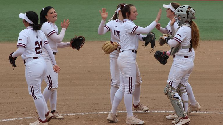 Softball overcome one if toughest opponents in Stony Brook as a warmup for an even stronger outcome against St. Bonaventure. (Courtesy of Fordham Athletics)