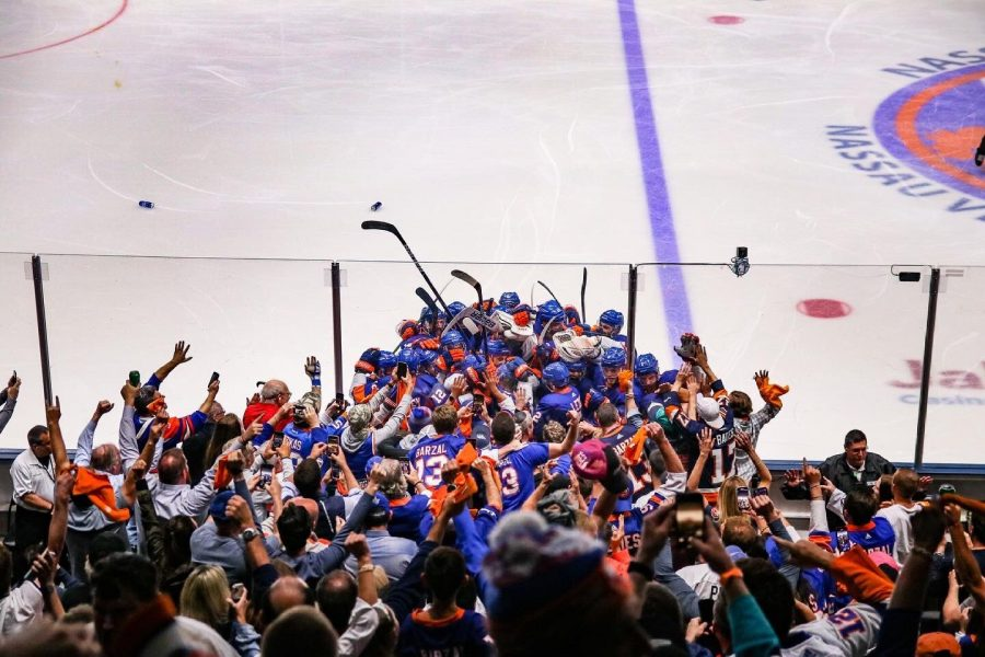 The+Lightning+proved+to+be+the+team+keeping+the+Islanders+and+their+fans+from+a+Stanley+Cup+again+in+their+final+run+at+the+Coliseum.+%28Courtesy+of+Twitter%29