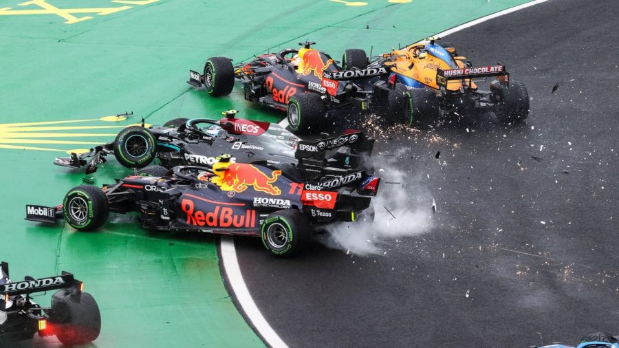 The Mercedes of Valtteri Bottas caused an incident which took out several cars, including one of their main rivals in a race that saw the championship lead change hands.